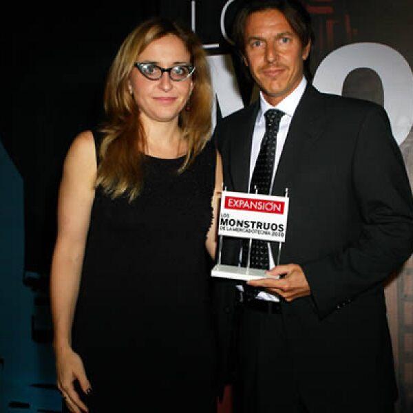 Ignacio Inda, gerente de mercadotecnia de Pedigree y Bárbara Anderson.