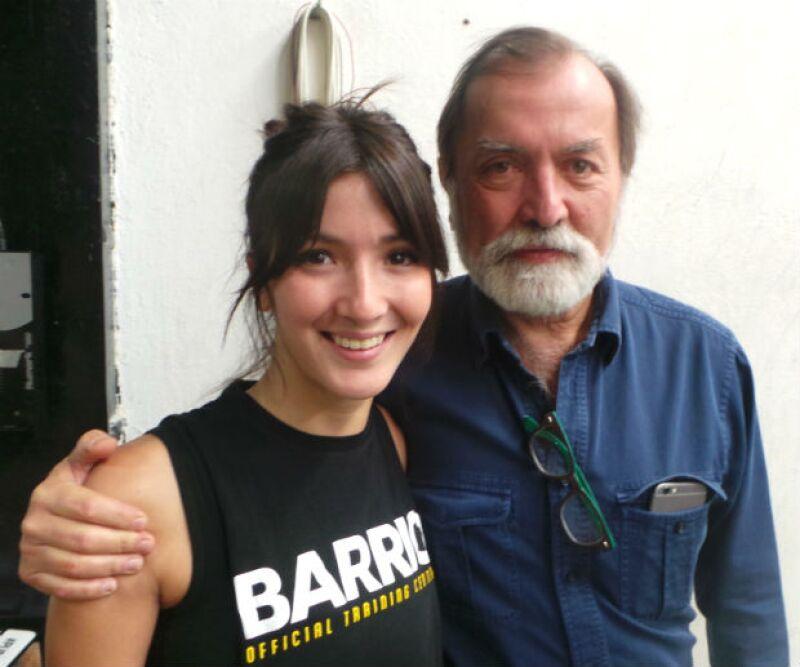 El productor Epigmenio Ibarra apoyando a su hija durante este aniversario.