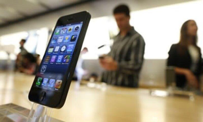 Apple agregó que más de 100 millones de dispositivos Apple descargaron la actualización del iOS 6.  (Foto: Reuters)