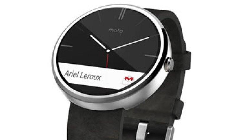 El reloj inteligente de Motorola llegó a México por un precio de 3,899 pesos (Foto: Cortesía Motorola)