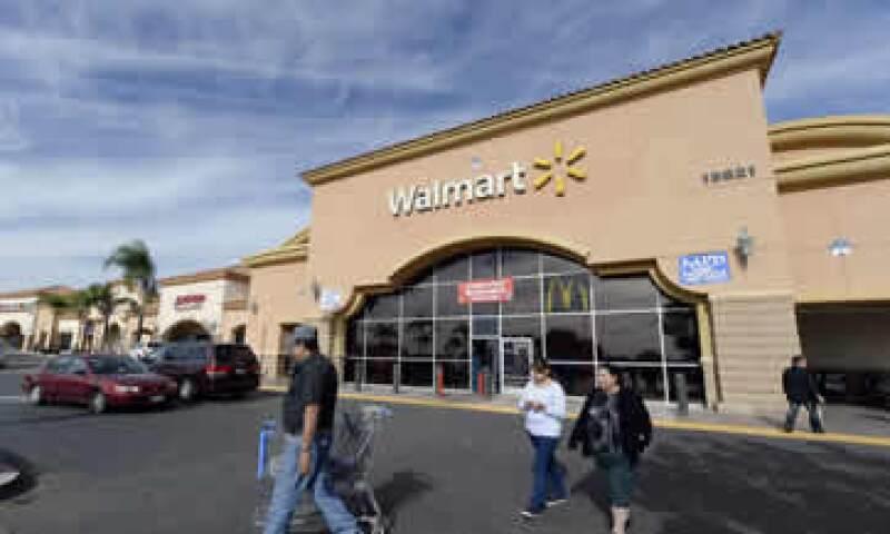 Walmart registró una caída en su utilidad neta de 12.8% a  (Foto: Reuters)