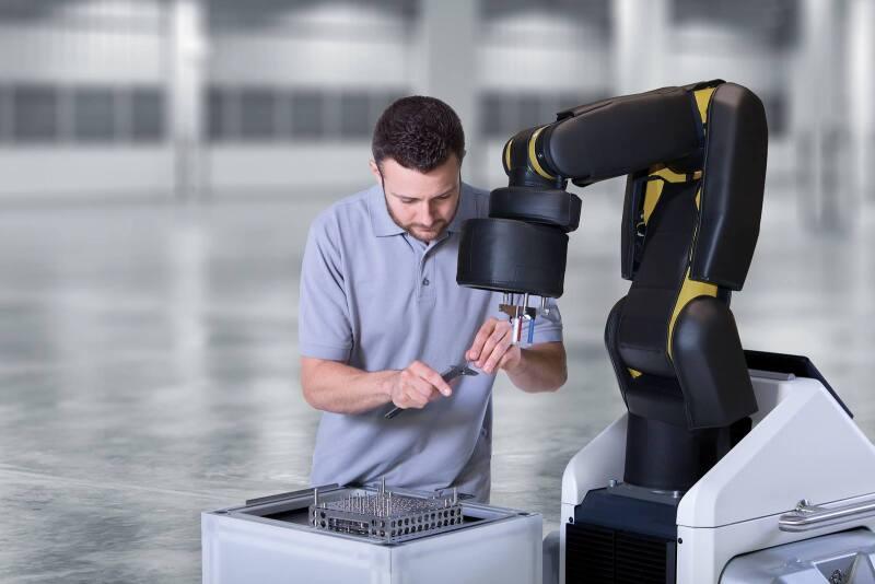 Robots v.s. humanos