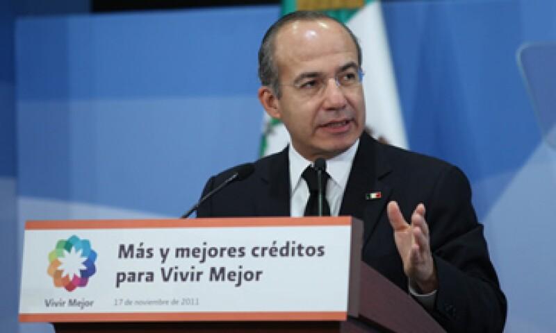 El presidente Felipe Calderón dijo que la crisis económica les quitó una parte de sus ingresos a los mexicanos. (Foto: Notimex)