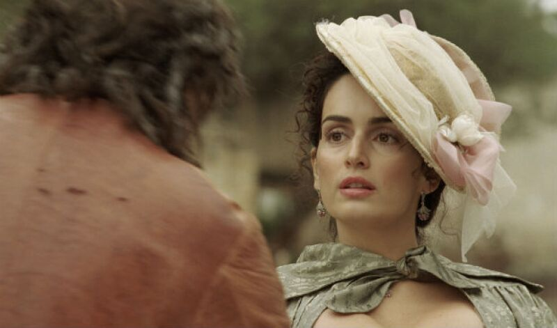 Ana de la Reguera como Josefa Quintana.