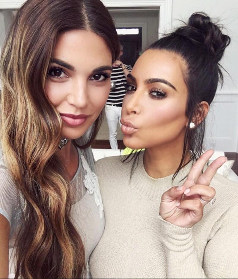 La estrella televisiva y reina de las redes sociales recibió cerca de un millón de dólares por posar junto a los invitados de una fiesta.