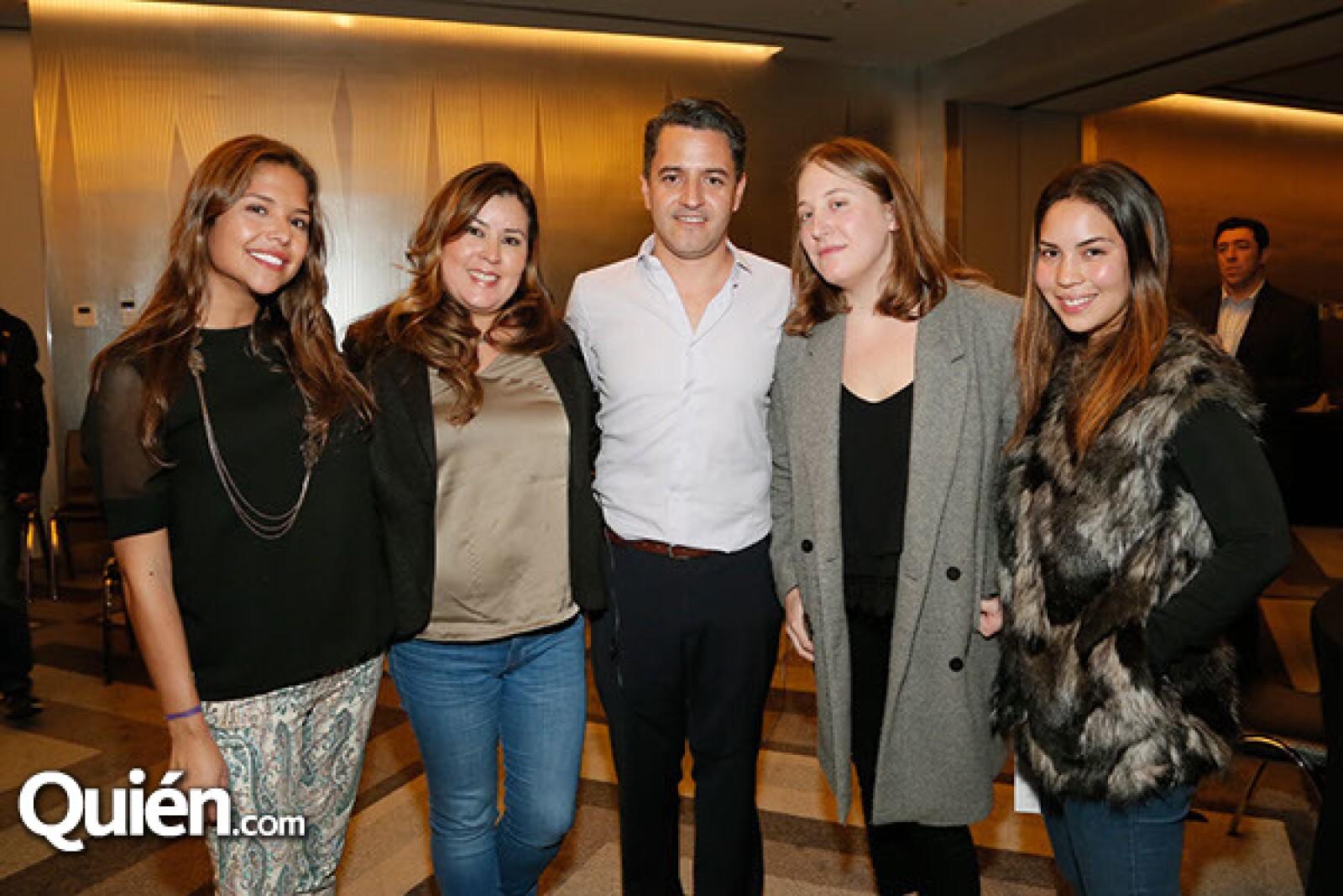 Cristina Coghlan,Diana Alarcón,Eduardo Uribe,Christina Canino y Mariana Camarena