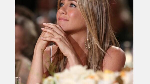 La estrella de cine confesó que le sorprendió que su novio le propusiera matrimonio y más aún con un hermoso brillante.