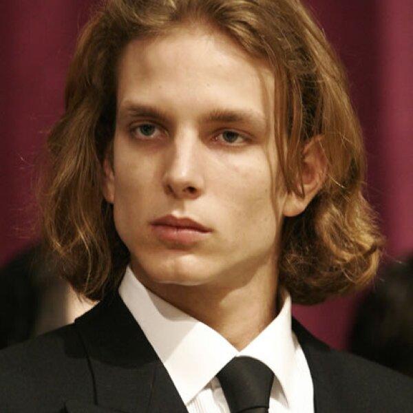 Durante el funeral de su abuelo, el Príncipe Rainiero.
