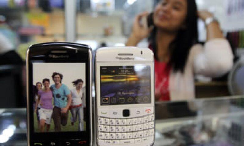 La iniciativa podría permitirle a RIM beneficiarse de los 620 millones de usuarios de China Mobile. (Foto: AP)