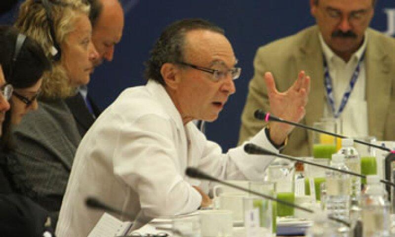 El ex titular de Banxico dijo que el dólar ha jugado un papel primordial como moneda de reserva internacional. (Foto: Notimex)