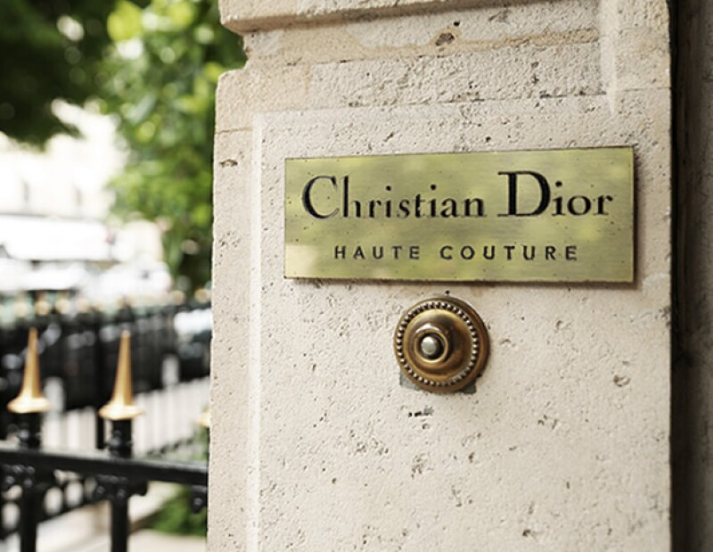 La nueva colección de la firma fue presentada este lunes en París. En un entorno muy íntimo y hogareño, se mostraron las increíbles creaciones para Otoño-Invierno 2016-2017.