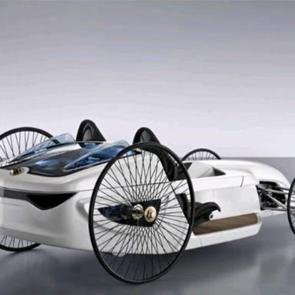 El Mercedes Benz F-Cell Roadster fue generador por 150 estudiantes que están haciendo prácticas en la empresa.