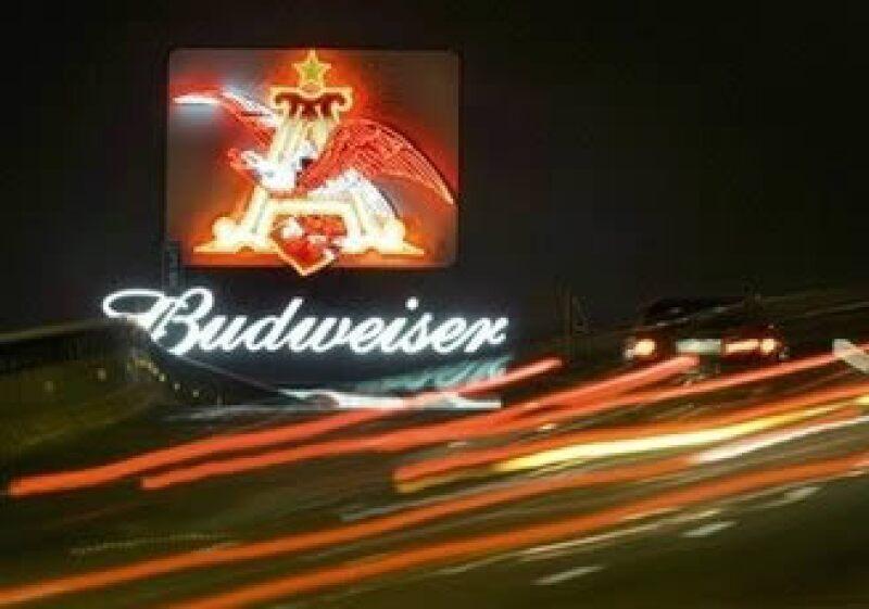 Anheuser-Busch InBev es la mayor cervecera del mundo y fabricante de productos como Budweiser. (Foto: AP)