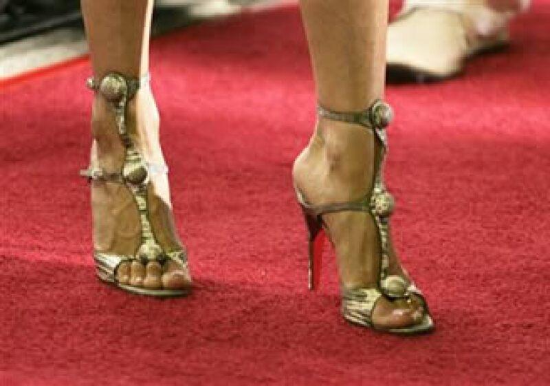 Los tacones pueden llevar a problemas en los pies a corto, mediano y largo plazo, pero se ven lindos. (Foto: Reuters)