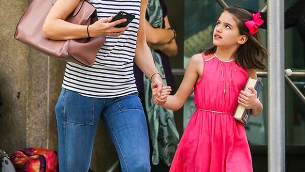 La hija de Tom Cruise y Katie Holmes fue celebrada en un lujoso restaurante situado en Manhattan, sin embargo, su papá no estuvo con ella por tercer año consecutivo.