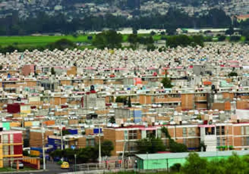 La falta de infraestructura básica, vivienda planeada y transporte adecuado restan competitividad a las ciudades.  (Foto: Carlos Ferrer)