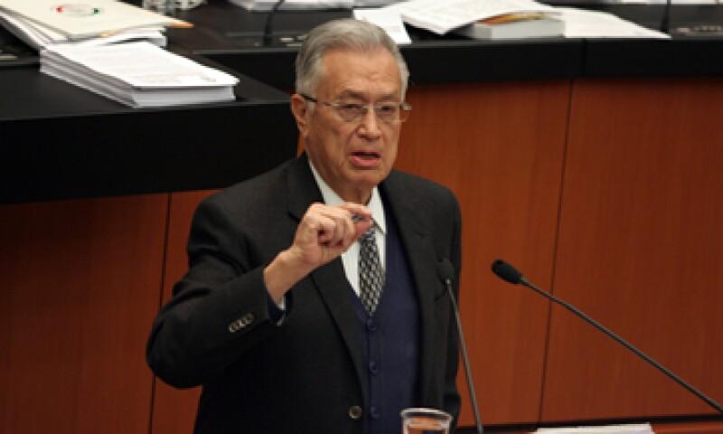 Bartlett Díaz sostiene que la actuación de Lozano no garantiza el interés colectivo de las reformas. (Foto: Cuartoscuro)