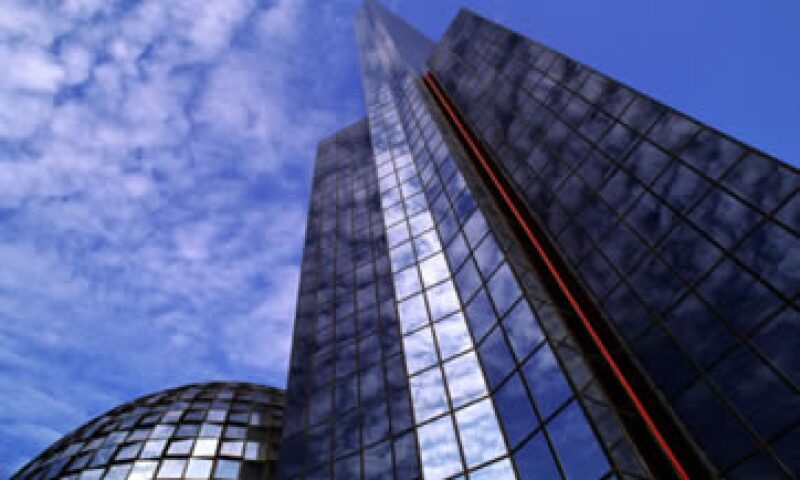 El débil crecimiento económico y la alta volatilidad en los mercados financieros han afectado el desempeño de la BMV. (Foto: Reuters)