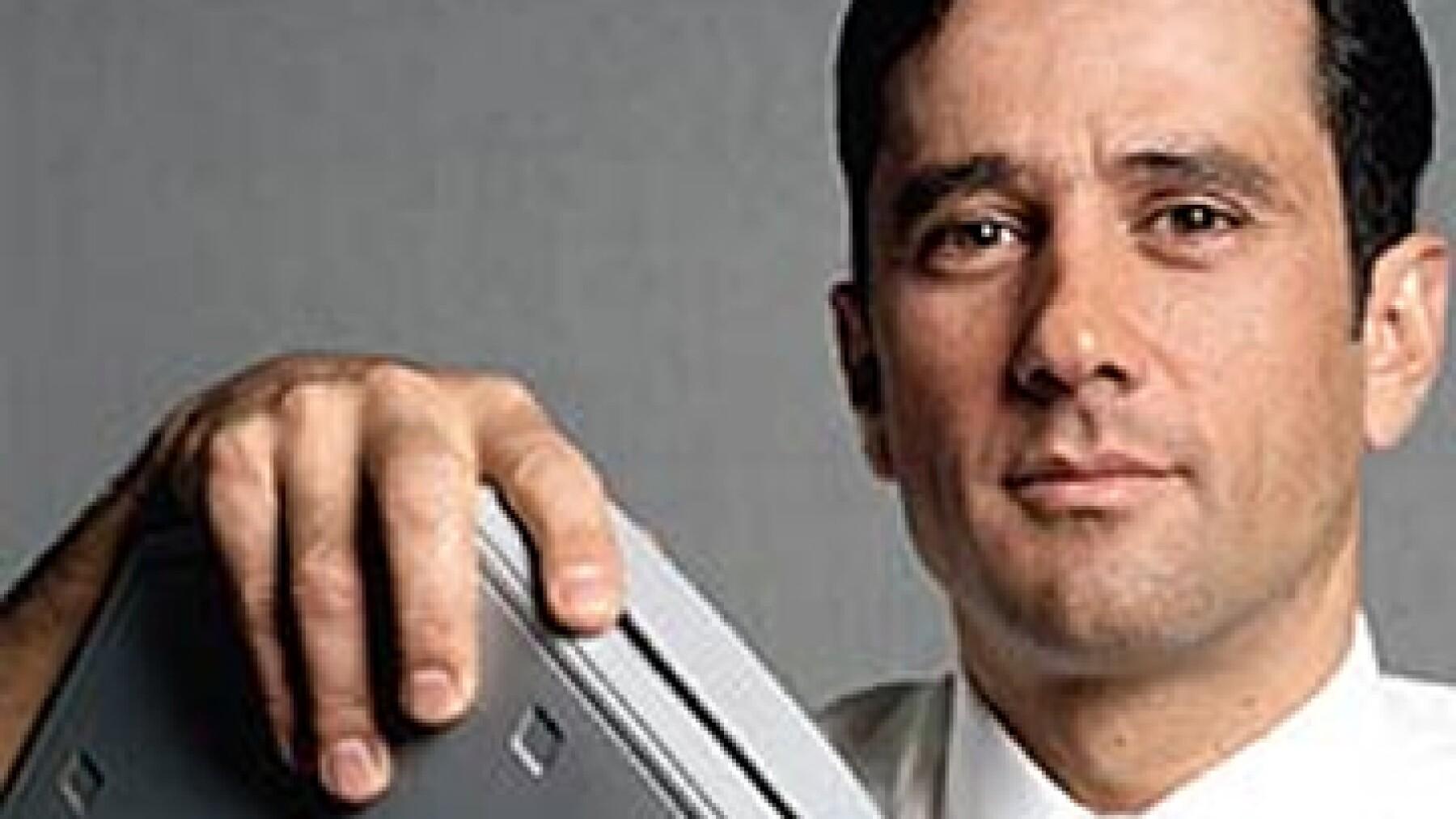 Axtel, de Tomás Milmo, enfrenta contingencias legales por 3,300 millones de pesos por los desacuerdos de interconexión con Telmex, Telcel y Iusacell. (Foto: Archivo)