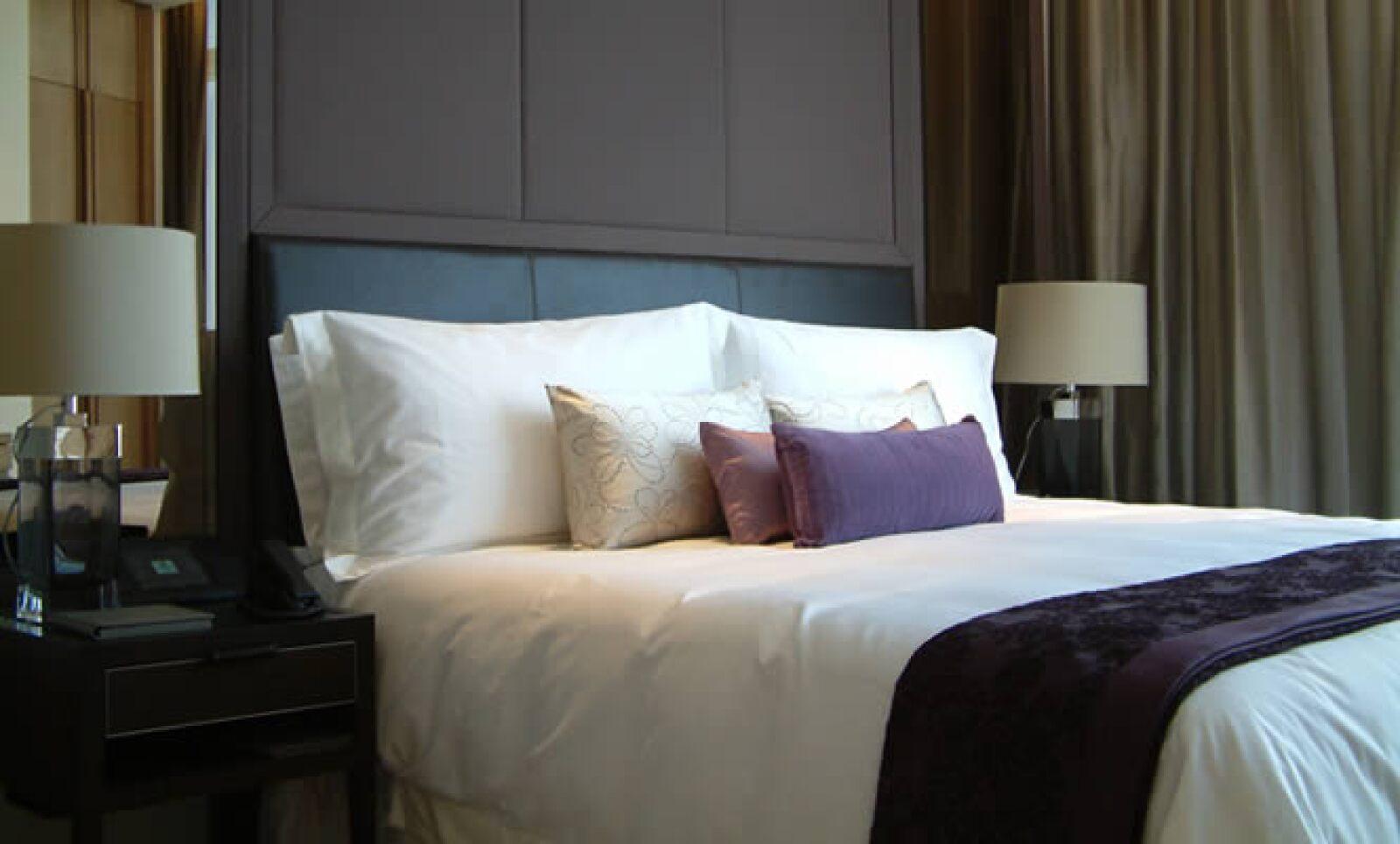 Una habitación estándar, de 55 mts2, cuesta alrededor de 400 dólares por noche entre semana y 265 dólares en fin de semana.