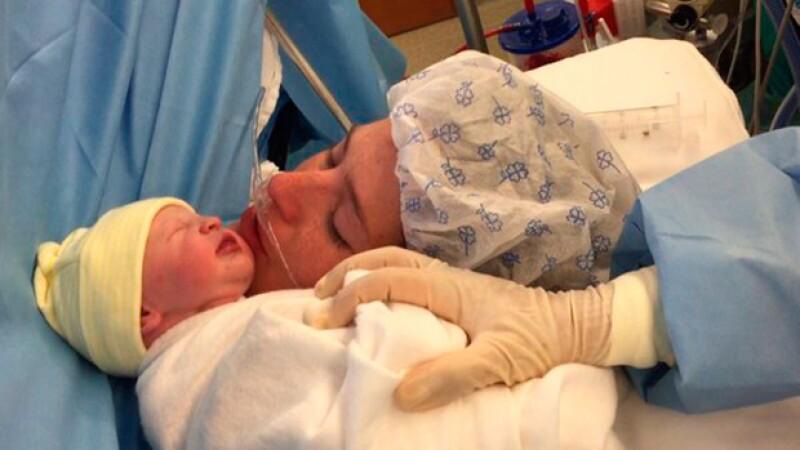 Con esta bella foto, María Inés anunció el nacimiento de su hija.