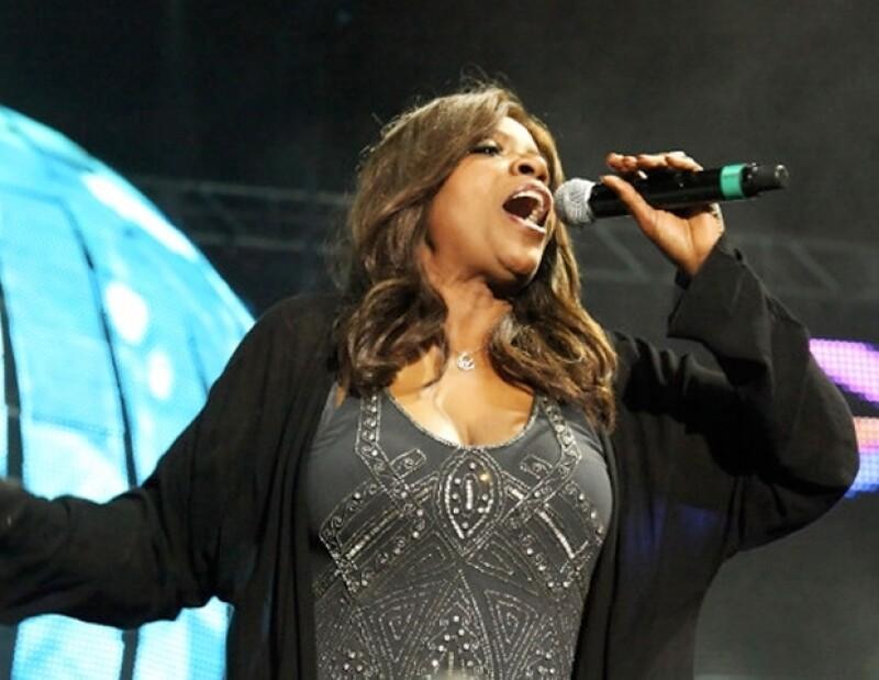 La cantante luce muy guapa.