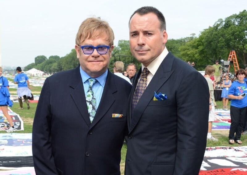 A pesar de que el `New York Post´había publicado que Elton y su pareja David Furnish eran padres nuevamente, un representante del cantante desmintió lo dicho en el diario estadounidense.