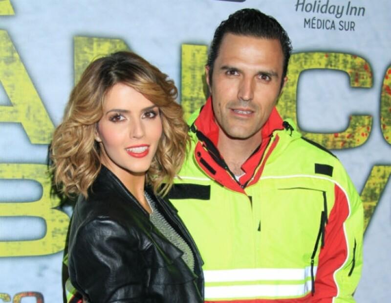 Claudia Álvarez y Billy Rovzar comparten en cada oportunidad lo feliz que son como pareja.