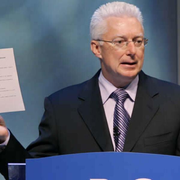 Procter & Gamble pierde a su legendario CEO Alan Lafley; quien fuera llamada un 'revolucionario' cedió el mando de la compañía a Bob McDonald en junio pero esta semana anunció que en enero dejará la empresa.