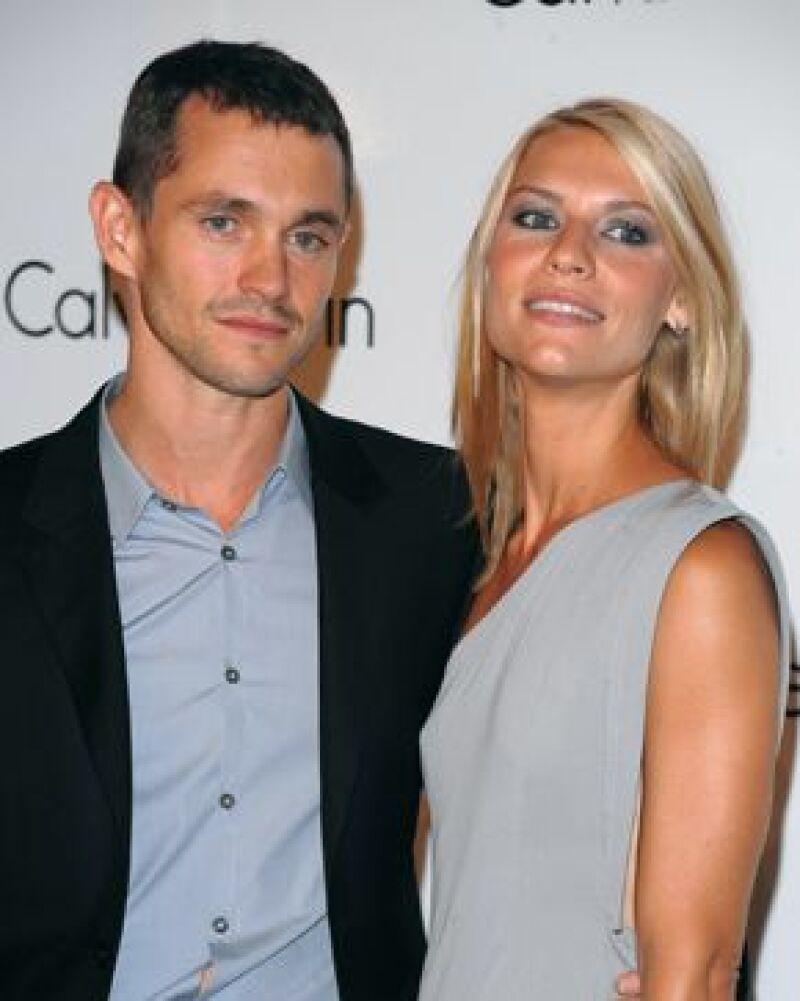 Su novio, el actor Hugh Dancy, le dio el anillo hace unos días, un representante de la pareja confirmó la noticia a People.