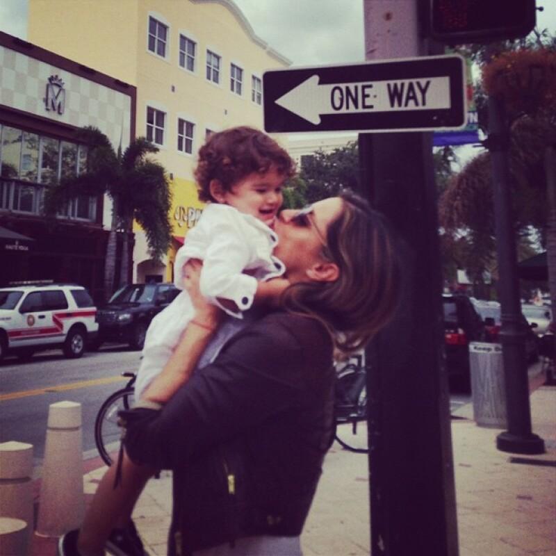 Lola Ponce disfruta su etapa de mamá al lado de Aarón Díaz.