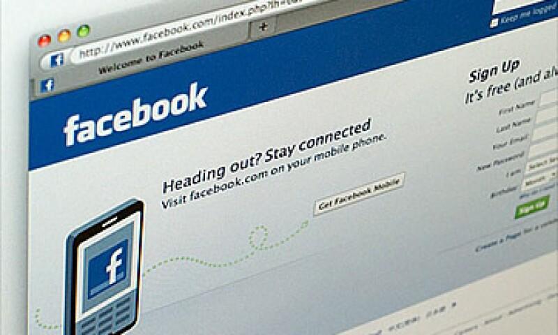 Google tiene más visitantes únicos por mes que Facebook y Microsoft. (Foto: Cortesía CNNMoney)