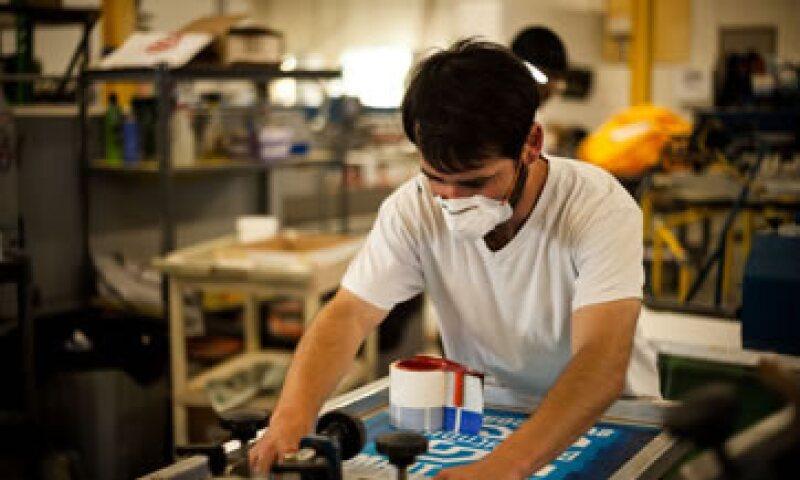 En los primeros cuatro meses del año, la producción industrial avanzó 1.1% anual. (Foto: iStock by Getty Images)