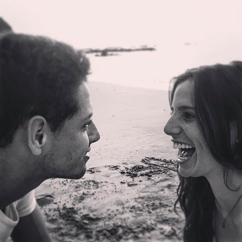El futbolista del Real Madrid se dejó ver más enamorado que nunca de su novia, la española Lucía Villalón.