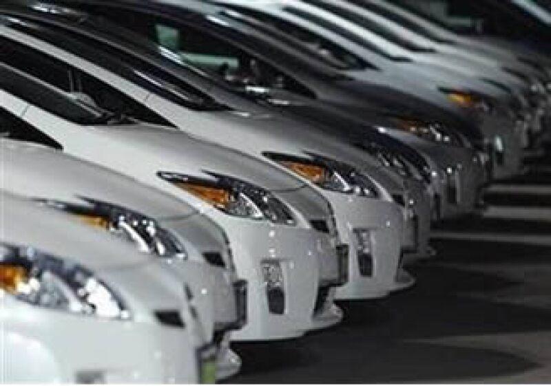 El defecto en los pedales de los autos Toyota derivó en un retiro masivo de vehículos en EU y el mundo. (Foto: Reuters)