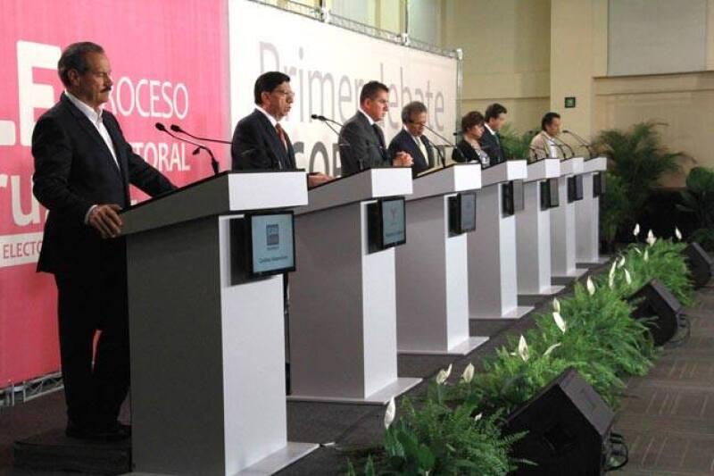 Los siete candidatos al gobierno de Veracruz expusieron sus propuestas referentes a economía, empleo, seguridad y desarrollo social. (Foto: OPLE Veracruz)