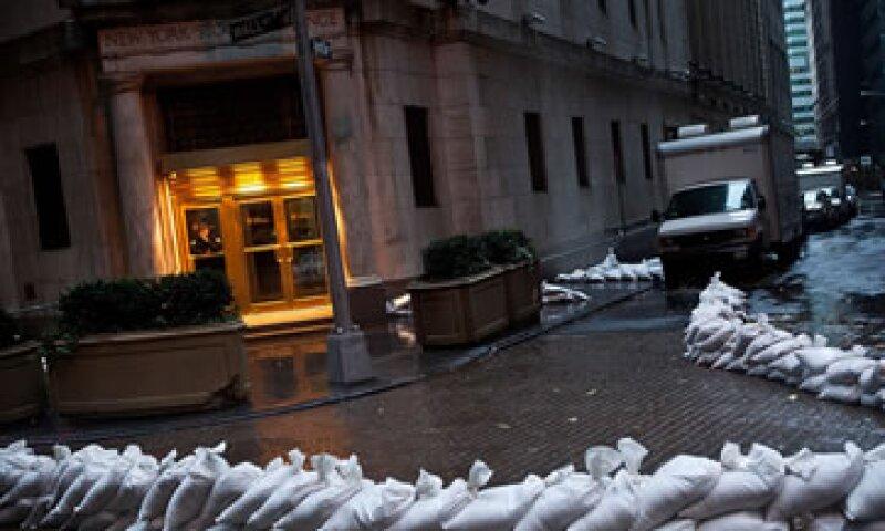 Sandy puede causar el cierre de negocios en la ciudad de Nueva York por más de dos días.  (Foto: Getty Images)