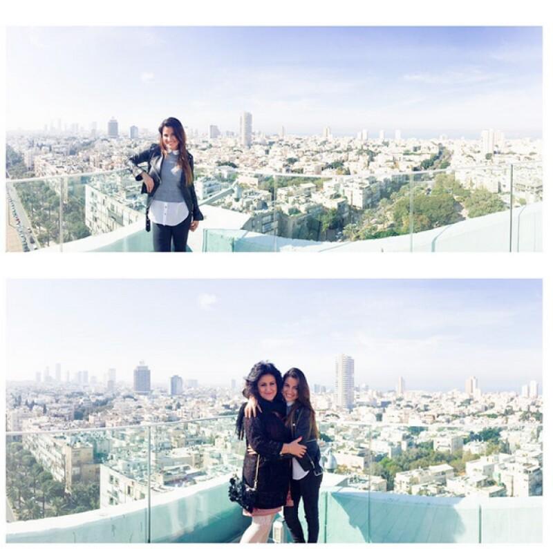 Maite Perroni con su mamá en Tel Aviv.