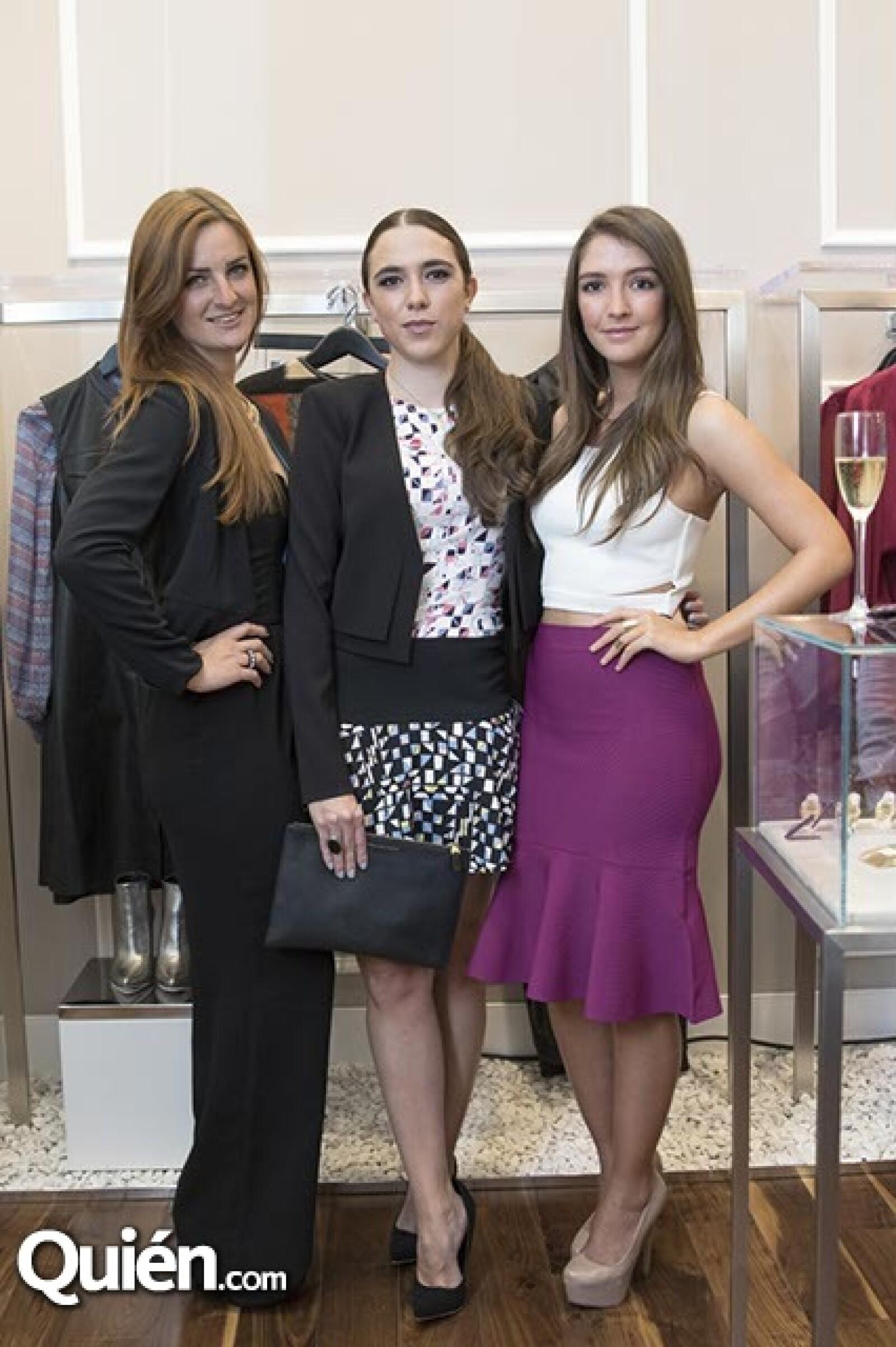 Karina Salinas,Sophie Dueso y Marijose Castro