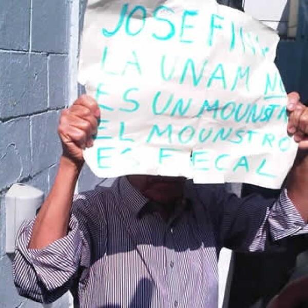 Vecino protestando contra Vazquez Mota