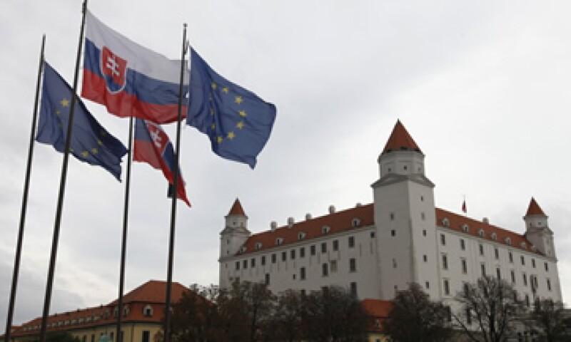 Eslovaquia es el último de los 17 países miembros de la zona euro que aún no vota el acuerdo para ampliar el EFSF. (Foto: Reuters)