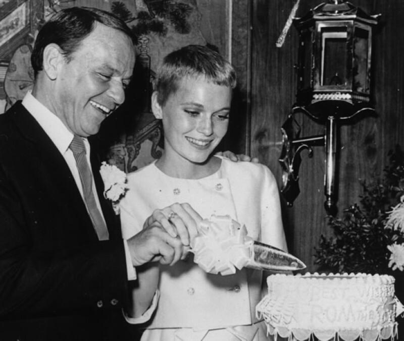 Frank Sinatra y Mia Farrow se casaron en 1966.