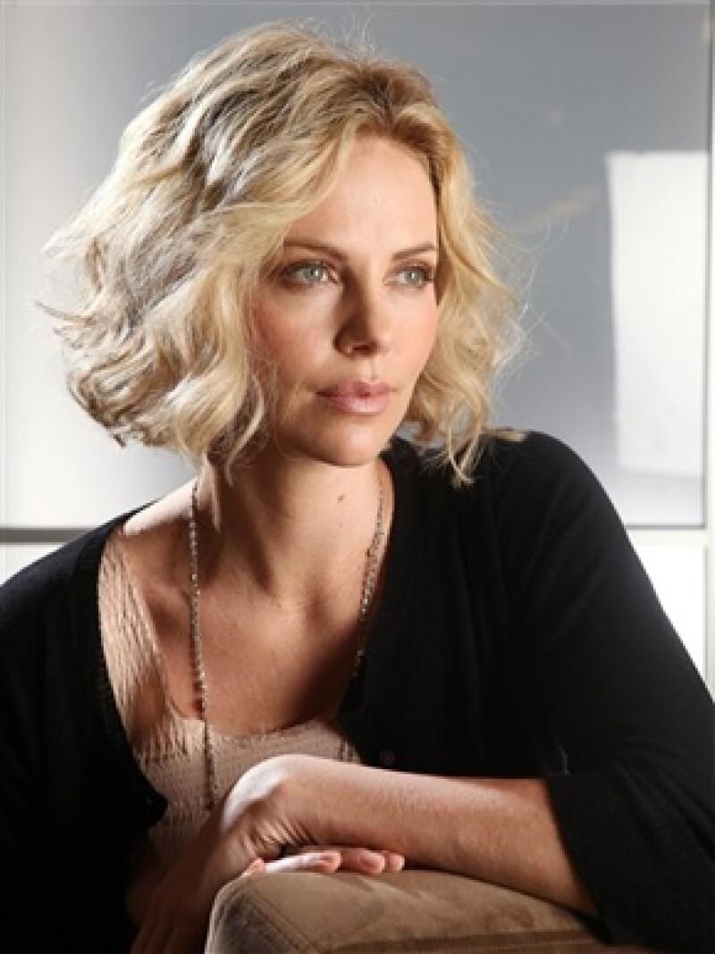 La actriz, ganadora del Oscar en el 2003 por su actuación en la película `Monster´, decidió adoptar a su primer hijo.