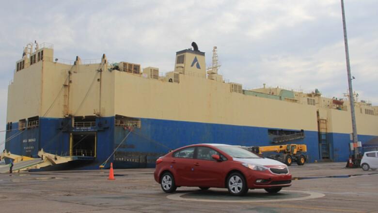 Al concluir el proceso aduanal los vehículos se enviarán a las 10 ciudades donde se ubicarán las concesionarias de KIA: Monterrey, Chihuahua, Guadalajara, Toluca, DF, Puebla, Querétaro, San Luis Potosí, Mérida y Villahermosa.