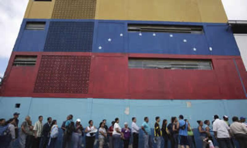 Venezuela exporta 1.8 millones de barriles de crudo diarios, estima Ed Morse, director global de investigación de energía de Citi. (Foto: AP)