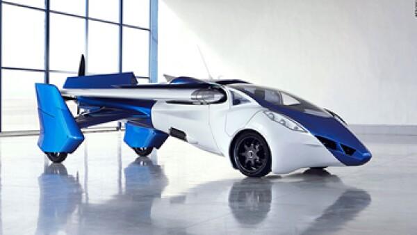 El AeroMobil 3.0 alcanza una velocidad de 160 km. por hora en carretera y de 200 km. por hora al volar.(Foto: CNNMoney )