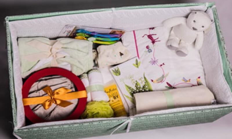 Las cunas que elabora Luciana Biondo incluyen un kit con implementos para el bebé y su mamá. (Foto: Cortesía Cuna de Cartón)