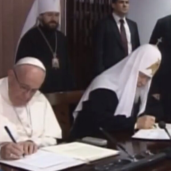 Francisco y Kirill acordaron que ambas iglesias trabajen conjuntamente para evitar el asesinato de cristianos.