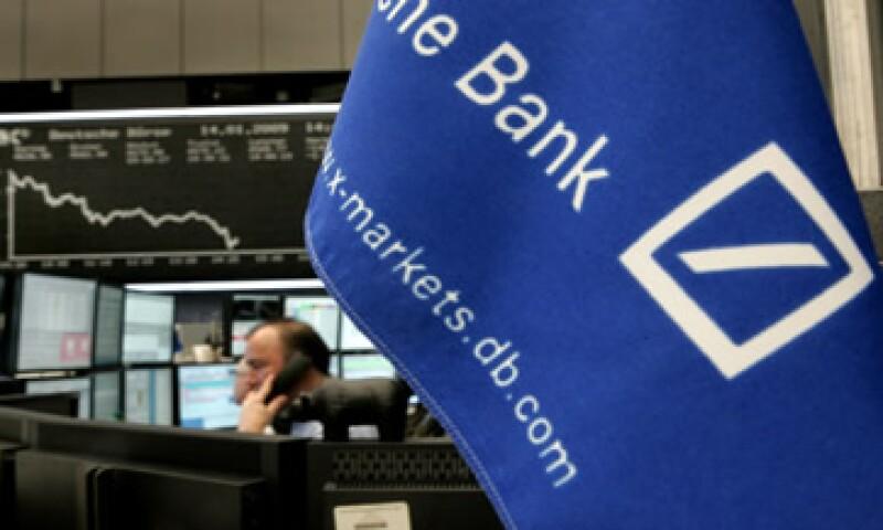 El banco apunta a reducir sus costos anuales en 4,500 mde para 2015. (Foto: AP)