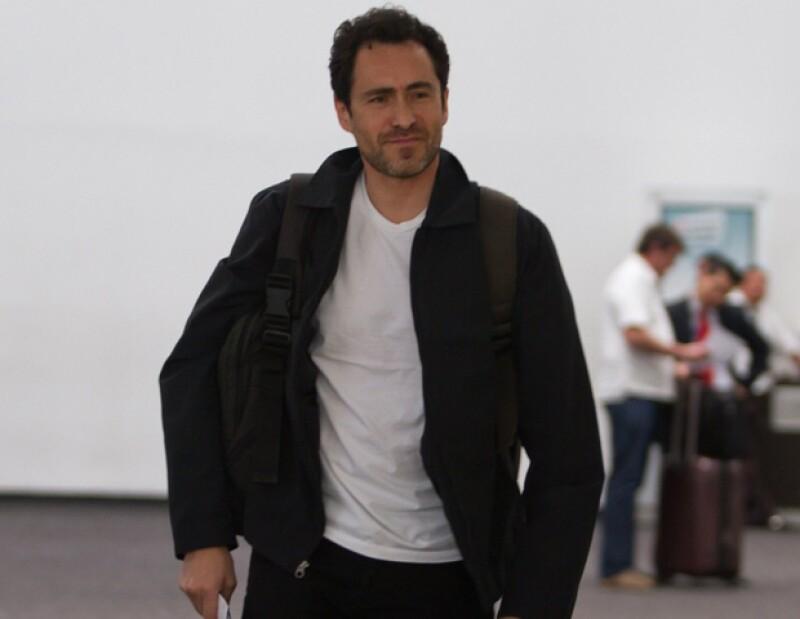 Durante la visita del candidato a la Jefatura del Gobierno capitalino, Miguel Ángel Mancera, al Teatro de los Insurgentes, el actor le expresó su apoyo.